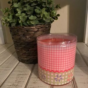Flirty Flower🌸 Gold Canyon Candle